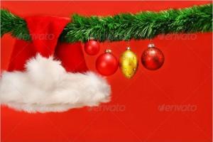Green garland with Santa hat and ornaments (Free)