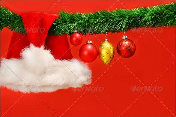 Green garland with Santa hat and ornaments (Free)
